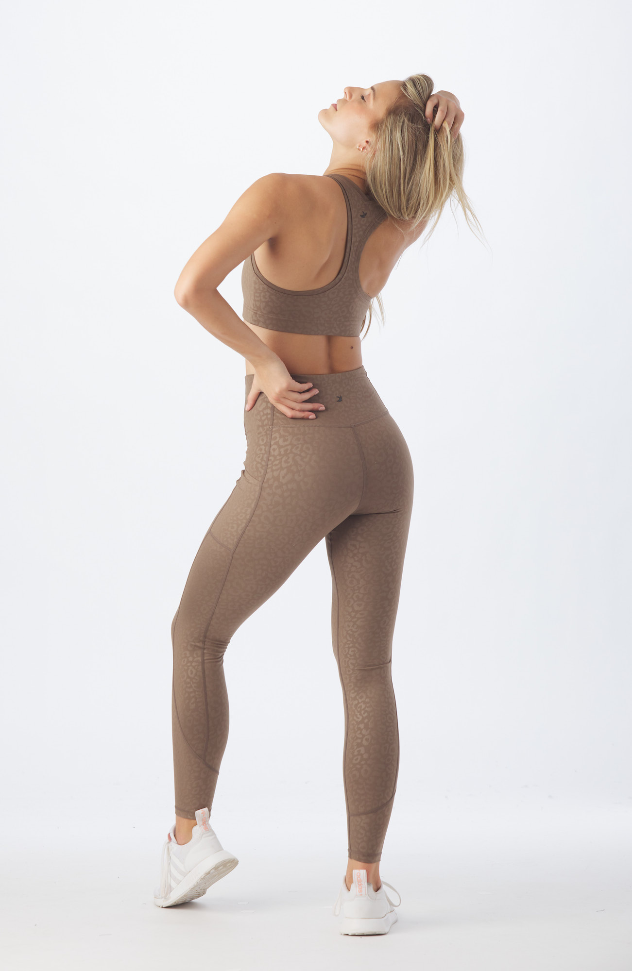 GLYDER-active-workout-Model-Onmodel-in-studio-instudio-Damion-Lloyd-Photography-Commercial-Product-Apparel-Clothing-Los-Angeles-Orange-County-female-woman-brown