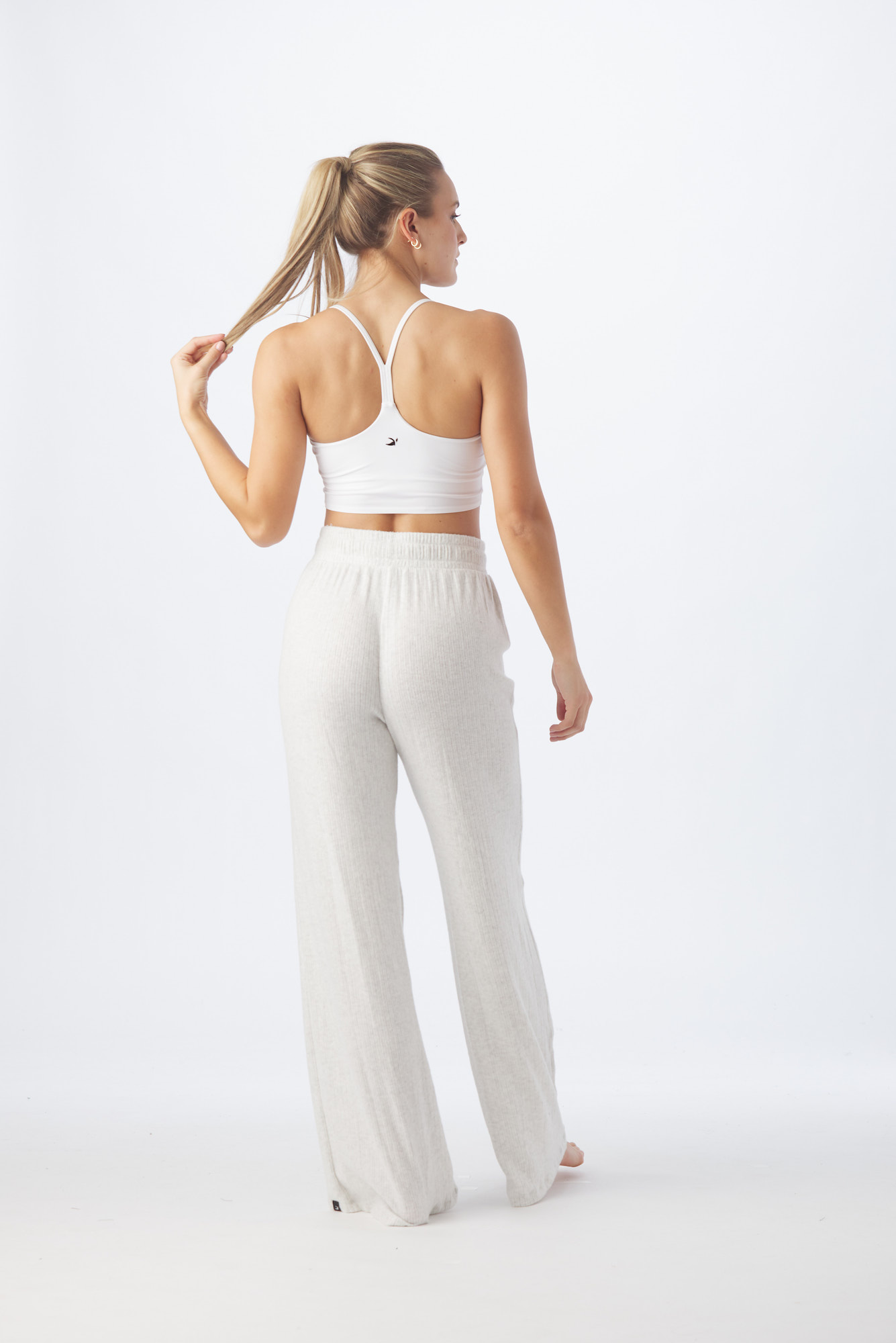 GLYDER-active-workout-Model-Onmodel-in-studio-instudio-Damion-Lloyd-Photography-Commercial-Product-Apparel-Clothing-Los-Angeles-Orange-County-female-woman-white-pants