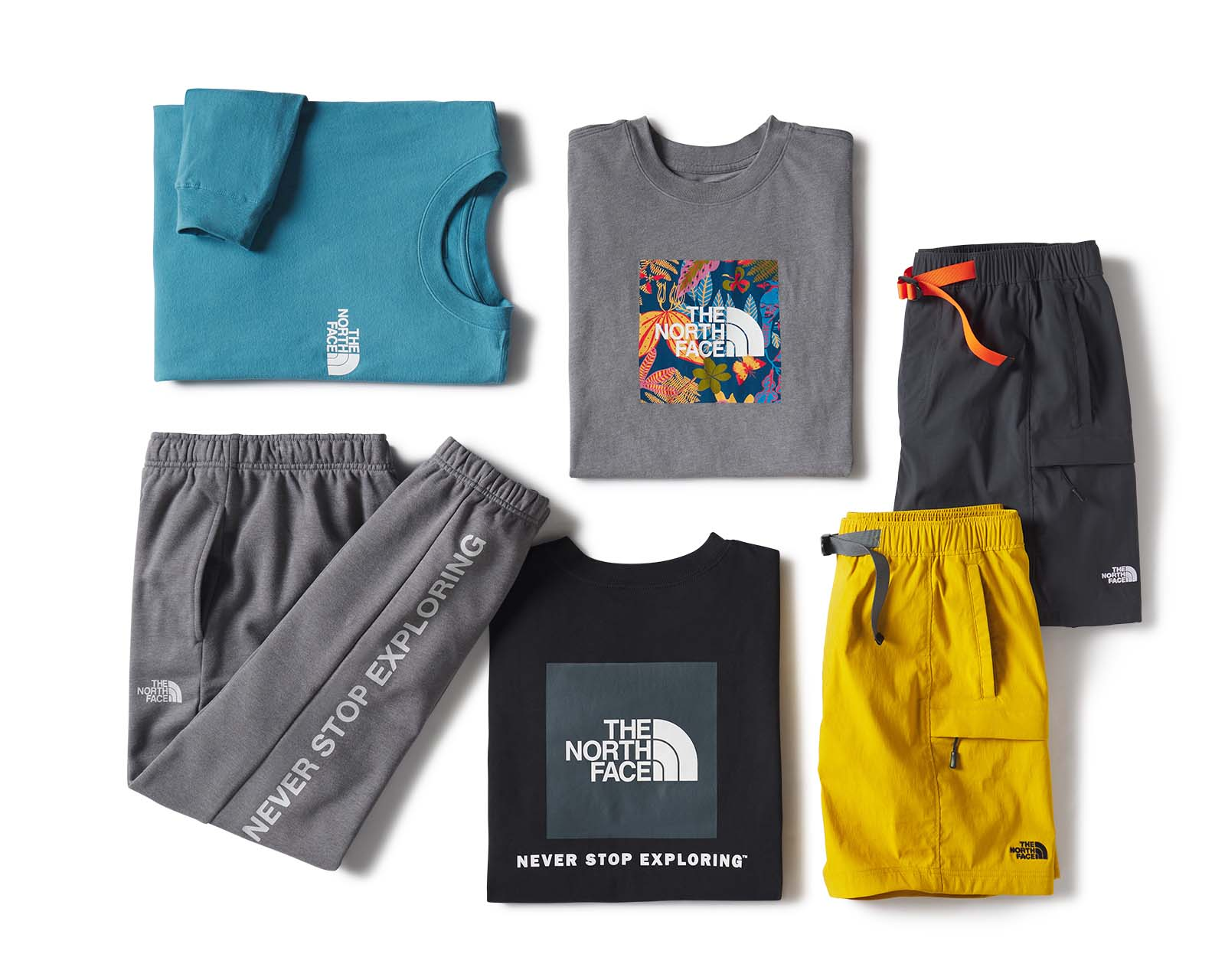 TILLYS-Editorial-Damion-Lloyd-Photography-Laydown-Commercial-Apparel-Product-Clothing-Art-Directed-Los-Angeles-Orange-County-the-north-face-pants-shirt-jogger