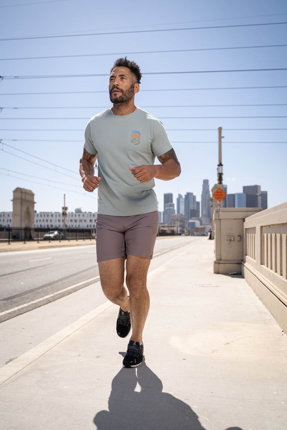 Lifestyle-On-Location-Model-Onmodel-Damion-Lloyd-Photography-Commercial-Product-Apparel-Clothing-Los-Angeles-Orange-County-male-man-GLYDER-sportswear-outdoor-city-running-active-bridge-downtown
