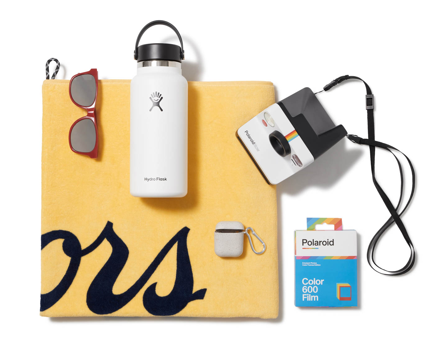 Tillys-editorial-apparel-clothing-shirt-shoes-damion-lloyd-commercial-photography-product-orange-county-los-angeles-hydroflask-nike-coors-towel-airpods-polaroid